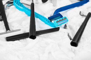 different style razors and shaving foam