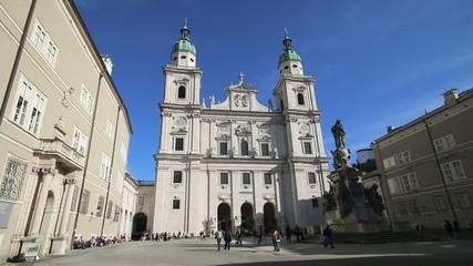 Salzburg - 010 - Dom - Domplatz