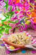 Leinwanddruck Bild - Party mit Nudelsalat und Würstchen