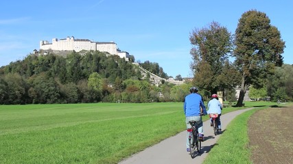 Salzburg - 012 - Festung - Radfahrer
