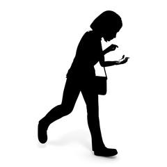 歩きながらスマートフォン/女性