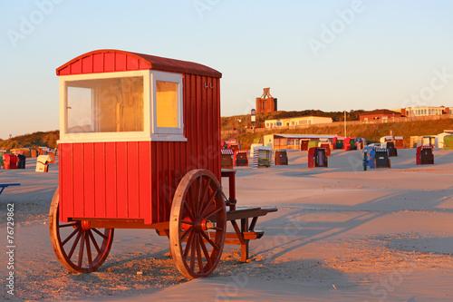 Leinwanddruck Bild Strandwagen