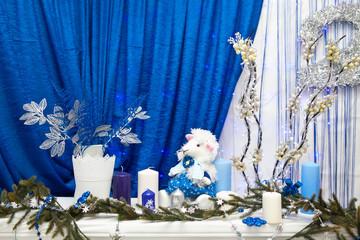Синий новогодний интерьер