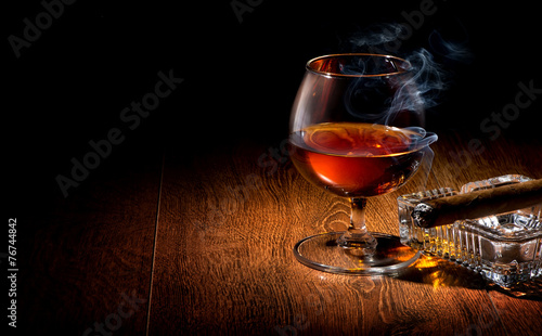 Foto op Plexiglas Alcohol Cognac and cigar