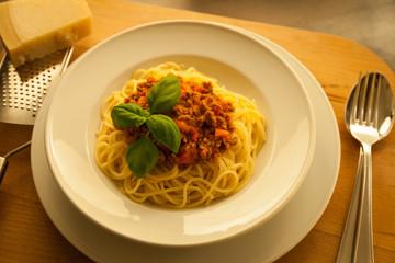 Pasta mit Tomaten-Fleisch-Sauce