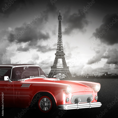 Effel Tower, Paryż, Francja i retro czerwony samochód. Czarny i biały
