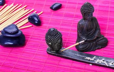 Buddha, Räucherstäbchen