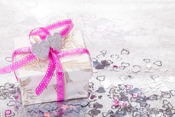 Geschenk, Valentinstag, Herzen