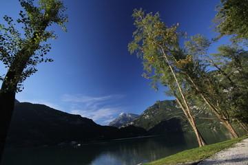 Paesaggio al Lago di  cavazzo