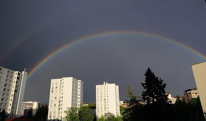 arc-en-ciel sur cité