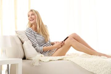 Schöne Frau beim entspannen