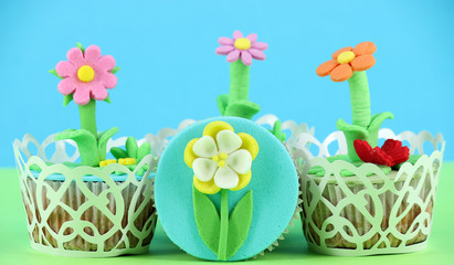 spring flowers sweet muffin cakes