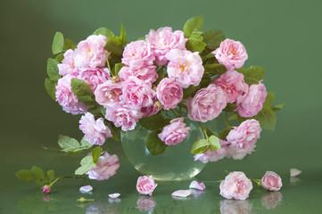 Bunch of tea roses