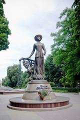 monument of Solomiya Krushelnytska