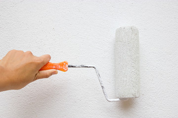 Painting wall in white