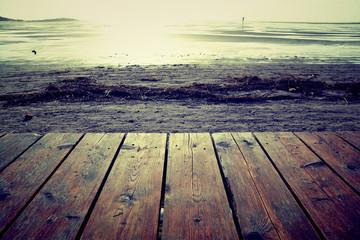 Hintergrund - Holzsteg am Meer