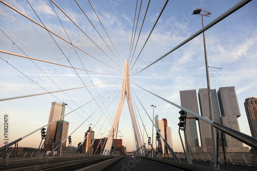 Foto op Aluminium Vuurtoren / Mill Driving on Erasmus Bridge