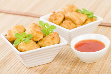 Chicken Nuggets - Deep fried chicken pieces with chilli dip