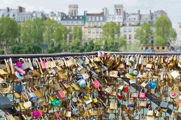 Liebesschlösser in Paris