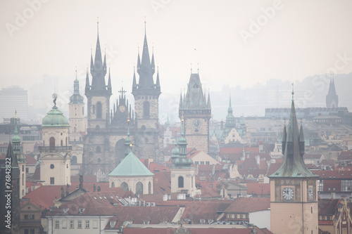 Poster Praag Tyn Church and Old Town Hall in Prague, Czech Republic.