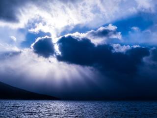 支笏湖光芒