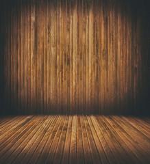 leerer Raum aus Holz.