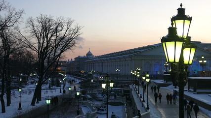 Манежная площадь вечером зимой