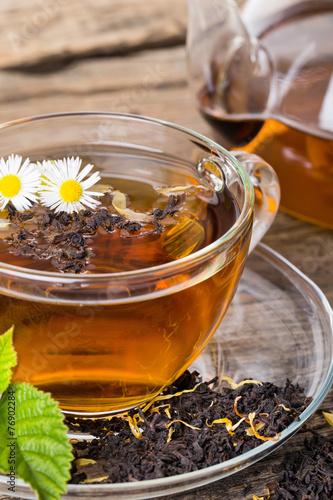 Foto op Canvas Koffie Tea composition with mint leaf on wooden palette