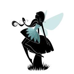 Сидящая на грибе фея