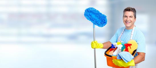 Man cleaner.