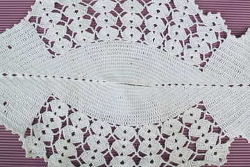 Knitted table cloth