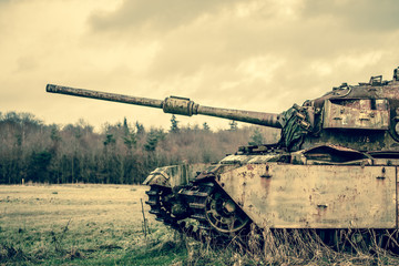 Big gun on a tank