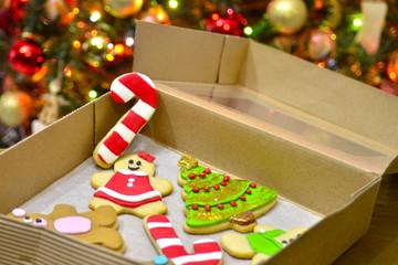 Caja de galletas y decoración de navidad