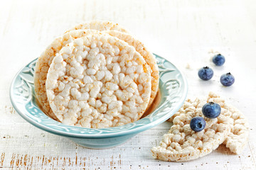 rice crackers with blueberries