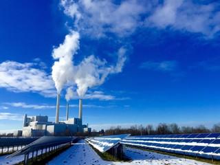 Photovoltaikanlage versus Heizkraftwerk im Winter