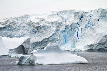 Coastline Of Antarctica - Global Warming - Ice Formations