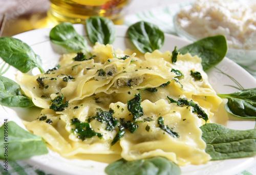 Leinwanddruck Bild Ravioli with spinach