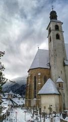 Kirche und Fiedhof - Kitzbühel - Tirol