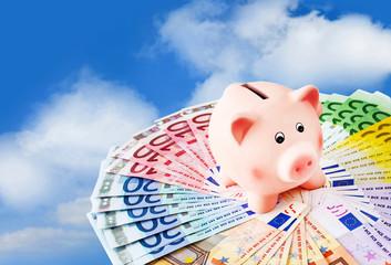 Euro und Sparschwein