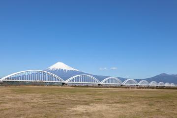 富士山と水管橋