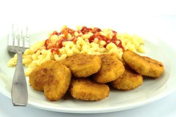 nuggets de poulet et coquillettes
