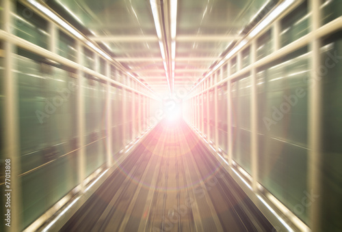 Light at the end of a straight tunnel - 77013808