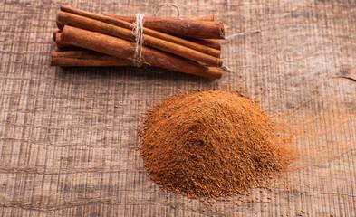 wooden table cinnamon Cloves