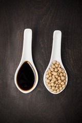 soy sauce and soya beans