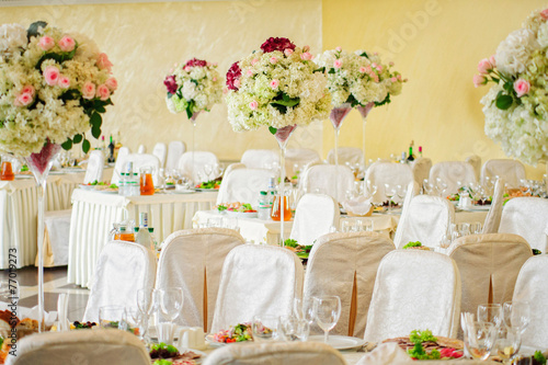 Keuken foto achterwand Hydrangea Beautiful flowers on table in wedding day