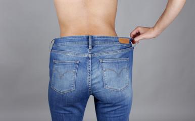 Mujer de espaldas a dieta