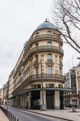 パリ 街角の建物