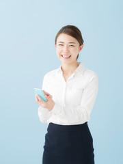 スマートフォン・若いビジネスマン