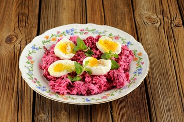 Beetroot salad with mint and boiled eggs