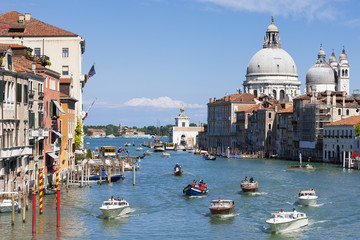 Gorgeous view of the Grand Canal and Basilica Santa Maria della